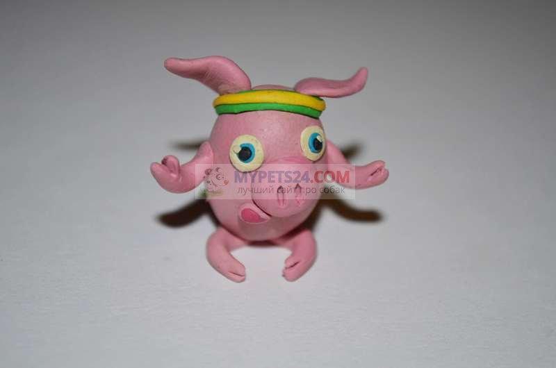 Свинка из пластилина